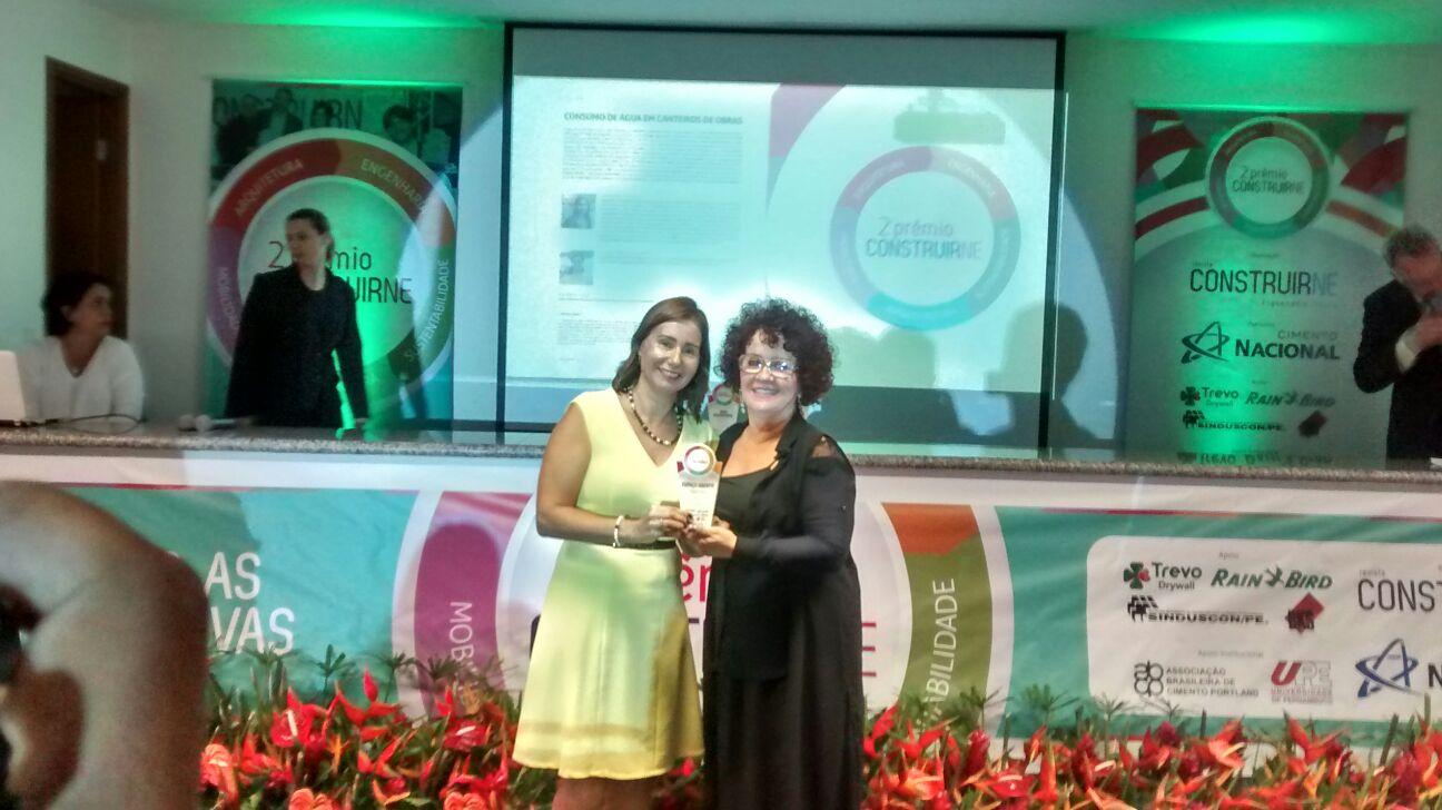 Profa-Dra-Simone-Rosa-ganha-premio-Construir